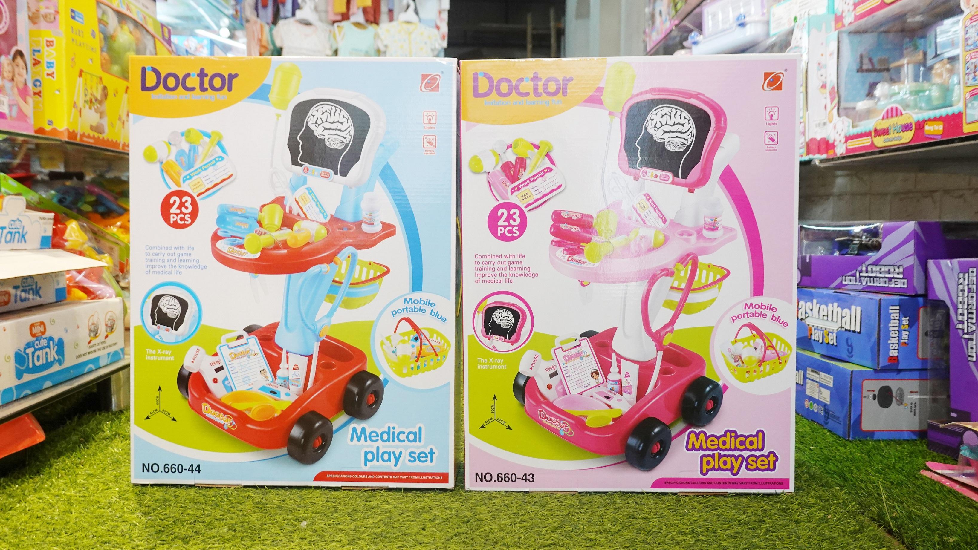 Hộp đồ chơi bác sỹ 660-43 (12T)